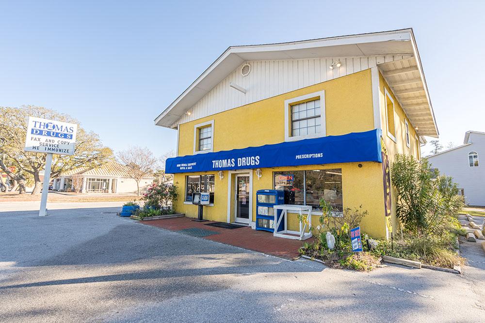 oak island nc, pharmacy, image of Thomas Drug store front